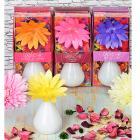 Картинка LADECOR Ароманабор 80мл с керамич. диффузором и декором, с ароматами фиалки, орхидеи, фрезии, сада в сети магазинов постоянных распродаж Галамарт