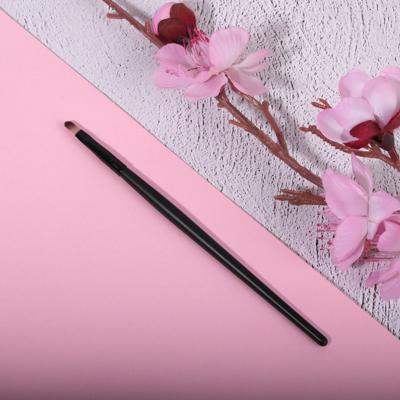 Кисть для губ ЮниLook, ворс нейлон, 16,5 см, черная