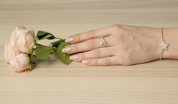 Маникюр на карантине: как ухаживать за ногтями в домашних условиях