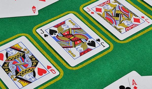 Дартс, покер, лото - показываем, чем заняться дома
